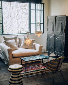 "1,417 mentions J'aime, 6 commentaires - Merci Paris (@merciparis) sur Instagram: ""Home Inspiration | Love seat by Merci | Vintage table, chair, wardrobe & chandelier | Moroccan…"""