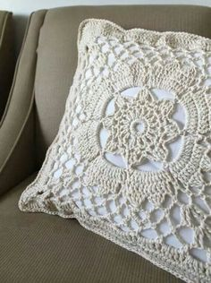I Will Post A Picture Of My Room When It Is Completed ♥ Crochet Pillow - Pillow Art Crochet - Diy Crafts - hadido Crochet Vintage, Love Crochet, Beautiful Crochet, Diy Crochet, Vintage Lace, Crochet Motifs, Crochet Squares, Crochet Stitches, Crochet Patterns