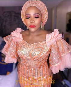 When a Yoruba Gentleman marries his Igbo Princess! Ogochukwu and Abiodun's Lovely Wedding Nigerian Lace Styles Dress, African Party Dresses, African Lace Styles, Lace Dress Styles, African Lace Dresses, Latest African Fashion Dresses, African Dresses For Women, African Attire, African Wear