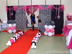 Oh my a fashion show of all the drsssed up princesses/divas Diva Birthday...........yes! love this