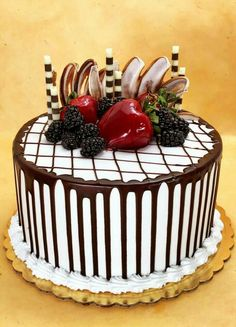 Get Delicious Special Occasion Cakes & Pastries in Glendale at Arts Bakery Cake Decorating Designs, Creative Cake Decorating, Cake Decorating Techniques, Creative Cakes, Cake Designs, Creative Food, Gourmet Cakes, Food Cakes, Cupcake Cakes