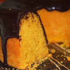Bolo de Cenoura da Di Norma: Bolo de cenoura com calda de chocolate meio amargo.  Deliciosamente perfeito para seu café da manhã ou café da tarde!!! #DiNorma #cake #bolodecenoura #coffee