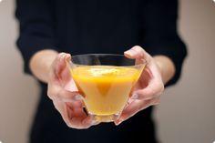 Crema de calabaza con raviolis de queso. Para no poner nata se puede poner: 2-4 quesitos, 50-100ml de leche, 1 yogur.