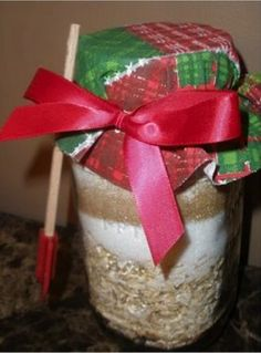 Try this easy gift in a jar recipe for Oatmeal Raisin Spice cookies!