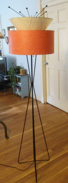 Mid Century Modern 1950s Atomic Kitsch Tripod Floor Lamp