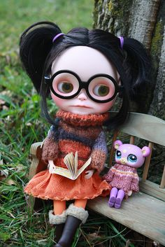 ..And sat down to read. Finally. by pippaandpom_Blythe, via Flickr