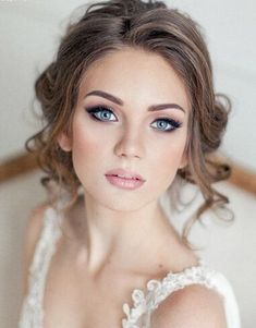 Here, I have put together a collection of 15 gorgeous wedding makeup ideas because a flawless makeup will complete your bridal look along with your wedding dress and bridal hairstyle.