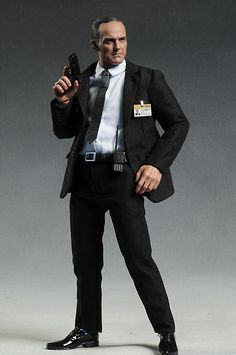 Marvel comic book character Agent Coulson Avengers action figure by Hot Toys Marvel Comics Superheroes, Marvel Comic Books, Comic Book Characters, Comic Character, Marvel Avengers, Detective, Videogames, Phil Coulson, Sideshow Collectibles
