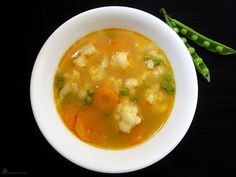 Karfiolova polievka Cheeseburger Chowder, Thai Red Curry, Carrots, Soup, Ethnic Recipes, Indie, Cooking, Carrot, Soup Appetizers