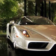 Peekaboo! #ferrari #enzo #supercar #carporn #love #picoftheday #igdaily #instagood #igers #xsauto #bornauto #xenonsupply