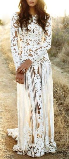 Bohemian Style White Lace Dress: so stunning! This would be my wedding dress beach side! Vogue Fashion, Look Fashion, Fashion Beauty, Dress Fashion, Fashion Styles, Fashion Models, Womens Fashion, Fashion 2018, Fashion Shoot