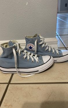 baby blue converse size only worn 3 times ❣️ in great condition! ‼️ dm for offers and questions ‼️ converse shoes teal blue sneakers Dr Shoes, Swag Shoes, Hype Shoes, Me Too Shoes, Shoes Sneakers, Baby Blue Converse, Mode Converse, Blue Converse Outfit, Light Blue Converse
