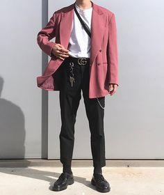 Vintage men clothing fashion guys 67 new ideas 38 Pink Blazer Men, Blazer Outfits Men, Boy Outfits, Trendy Outfits, Fashion Outfits, Winter Outfits, How To Wear Blazers, Blazers For Men, Outfit Invierno
