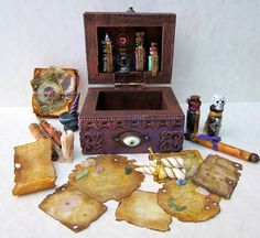 Witch's Trunk and Accoutrements dollhouse by DarkSquirrel on Etsy. Victoria creates some of the most amazing miniatures you will ever see. Haunted Dollhouse, Haunted Dolls, Dollhouse Dolls, Halloween Miniatures, Clay Miniatures, Dollhouse Miniatures, Gothic Dolls, Witch House, Fairy Doors