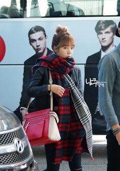 APink NamJoo @ Airport....love her huge red plaid scarf~