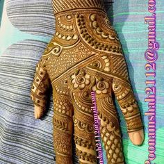 No photo description available. Cute Henna Designs, Peacock Mehndi Designs, Mehndi Designs Feet, Khafif Mehndi Design, Finger Henna Designs, Stylish Mehndi Designs, Wedding Mehndi Designs, Mehndi Design Pictures, Mehndi Patterns
