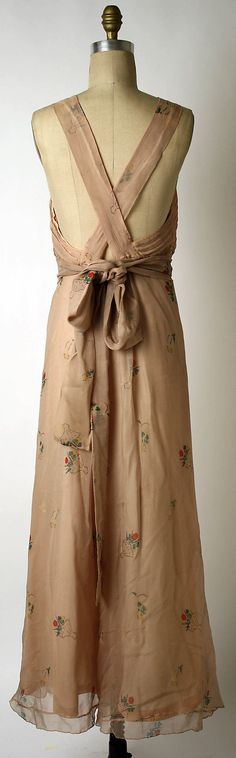 Dress, Evening.  Elsa Schiaparelli  (Italian, 1890–1973).  Date: 1933–35. Culture: French. Medium: silk.