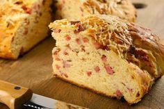Pão de Parmesão com Linguiça
