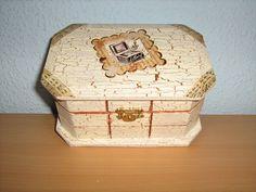 Decorative Boxes, Metal, Blog, Home Decor, Copper, Crates, Musica, Blue Prints, Bronze