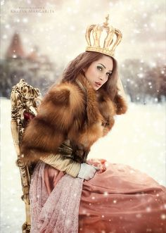 Margarita Kareva the snow queen on her throne Eva Green, Snow Queen, Ice Queen, Fantasy Photography, Fashion Photography, Foto Fantasy, Costume Carnaval, Russian Fashion, Margarita