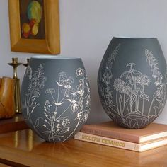 These two pots will feature in my first exhibition of the year held by @scottishpotters and entitled Space to Grow. You can see details of the exhibition and the pots in all their 360 degree glory in my stories. #ceramics #stoneware #sgraffito #handbuilt #coiled #wildflowers #woodlandplants #scottishpotter #spacetogrow #exhibition