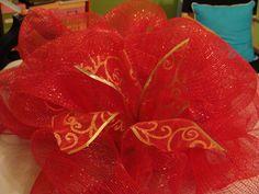 Crafty in Crosby: Christmas Deco Mesh Centerpiece