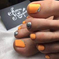 Fun pedis all summer 😍 ° ° ° ° ° ° ° ° by Love Nails 💅 Pedicure Nail Art, Pedicure Designs, Toe Nail Designs, Toe Nail Art, Joy Nails, Beauty Nails, Orange Toe Nails, Pretty Toe Nails, Acrylic Nails