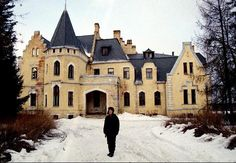 Abandoned Castles of Russian Countryside...Beautiful Uspenskoe Mansion, Moscow area, near Zvenigorod.