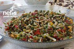 Noodle Salad with Lentils (mexican food instead of green .- Mercimekli Erişte Salatası (yeşil mercimek yerine meksika fasulyesi ile de ya… Noodle Salad with Lentils (can also be made with mexican beans instead of green lentils, very nice) - Best Mexican Recipes, Turkish Recipes, Ethnic Recipes, Green Lentils, Cauliflower Salad, Lentil Recipes, Vegetable Drinks, Potluck Recipes, Pasta Salad Recipes