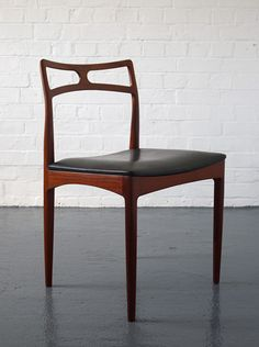 Johannes Andersen Model 94 chairs