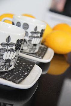 My winter wishes & cheer. I enjoy the days of the Scandinavian winter with mandarins & mugs full of warm drinks.