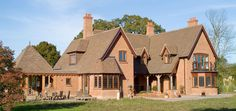 Clay Roof Tiles, Roofing Materials, Handmade Tiles, Brick, Cabin, Mansions, House Styles, Building, Dark