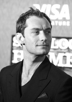 Jude Law                                                                                                                                                                                 Plus
