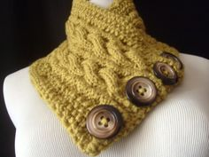 The REVERSIBLE Cabled Neckwarmer / In LEMONGRASS by yarncoture