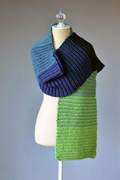 Suddenly Gradiently Free easy scarf knitting pattern