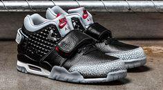 Victor Cruz Borrows From Air Jordans on New Shoe