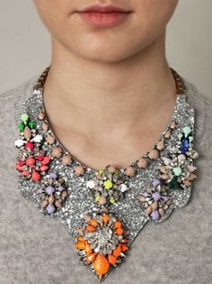 #howtowear bright jewellery - add accents of neon to a grey jumper! #annalouoflondon