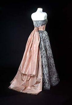 Dress by Cristobal Balenciaga, 1951, Smithsonian Museum of American History