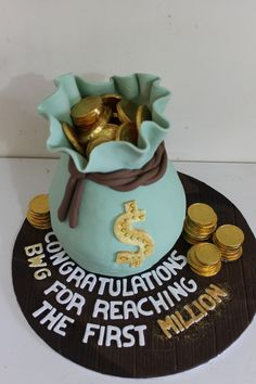 My money bag cake for a magic milestone for a corporat customer