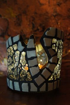 "kerzenglas, prosecco flasche, autofensterglas, von meinem recycle projekt ""second time around"" Cuff Bracelets, Mosaic, Jewelry, Autos, Recyle, Flasks, Candles, Glass, Jewlery"