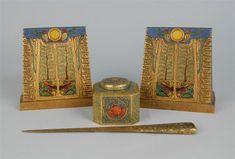 Grogan and Company sells rare Tiffany Studios desk items, September 30, 2012 | Philip Chasen Antiques