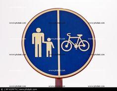 Permitido circular peatones y bicicletas