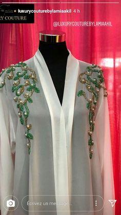 Abaya Fashion, Couture Fashion, Fashion Dresses, Kurti Neck Designs, Dress Neck Designs, Mode Abaya, Mode Hijab, Oriental Fashion, Indian Fashion