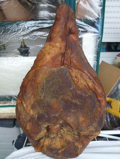 :: Homemade Prosciutto ~ Croatian must have :: our Dejda had a smoke house on his farm, remember the taste of that pork. Bacon Sausage, Sausage Recipes, Pork Recipes, Cooking Recipes, Prosciutto, Charcuterie, Bratwurst, Croation Recipes, Croatian Cuisine