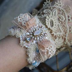 Shabby Chic Jewelry, Lace Jewelry, Textile Jewelry, Girls Jewelry, Fabric Jewelry, Bridal Jewelry, Jewelry Crafts, Handmade Jewelry, Jewellery