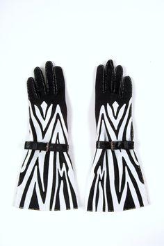 Gallery of Gorgeous Gloves by John Koch - Threads Hand Gloves, Mitten Gloves, Leather Gloves, Leather And Lace, Elegant Gloves, Vintage Gloves, Mittens Pattern, Girl Hijab, Black Girls Rock