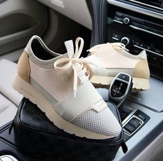 Shared by Harriët Taylor. Find images and videos about shoes, sneakers and Balenciaga on We Heart It - the app to get lost in what you love. Sneaker Heels, Shoes Sneakers, Shoes Heels, Cute Shoes, Me Too Shoes, Basket Originale, Balenciaga Runners, Heeled Boots, Shoe Boots