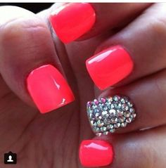 So in love with these pink acrylic nails !!!