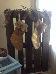Pallet Christmas socking rack