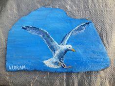 Seagull, acrylic on slate Rock And Pebbles, Painted Ornaments, Rock Painting, Rock Art, Painted Rocks, Tie Dye, Hobbies, Paintings, Painting Art